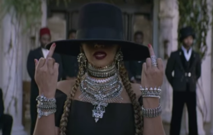 """Beyoncé  flips off the camera in """"Formation"""" music video"""