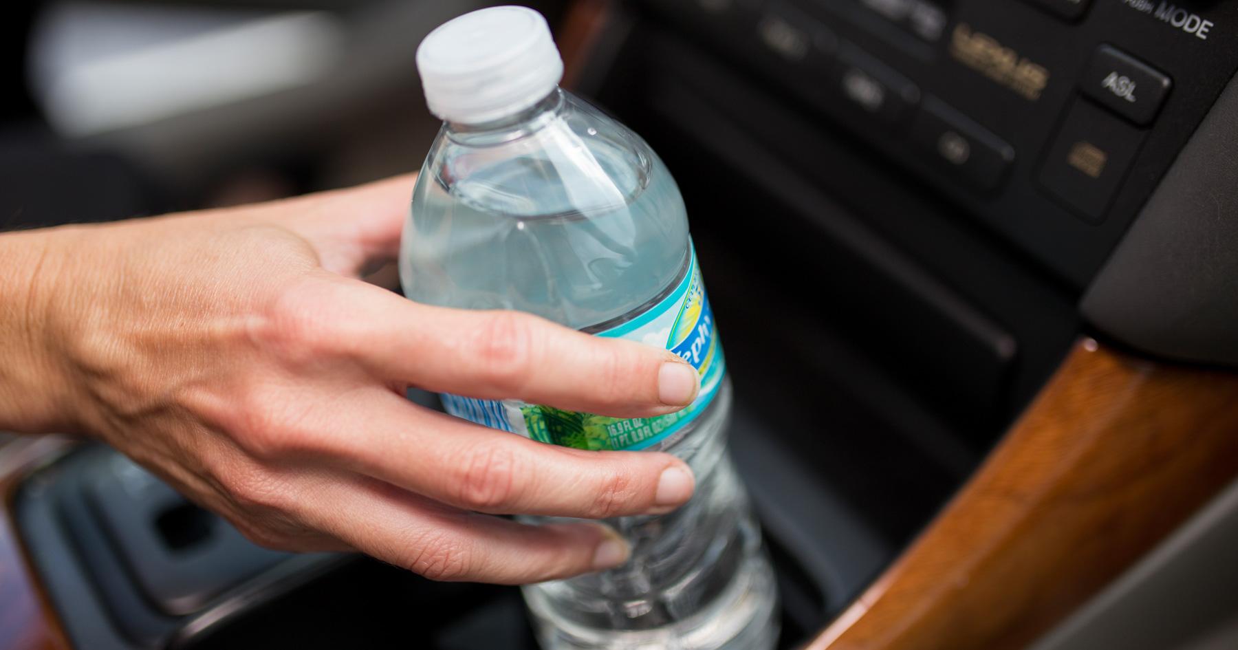 Αποτέλεσμα εικόνας για bottles contain DEHA