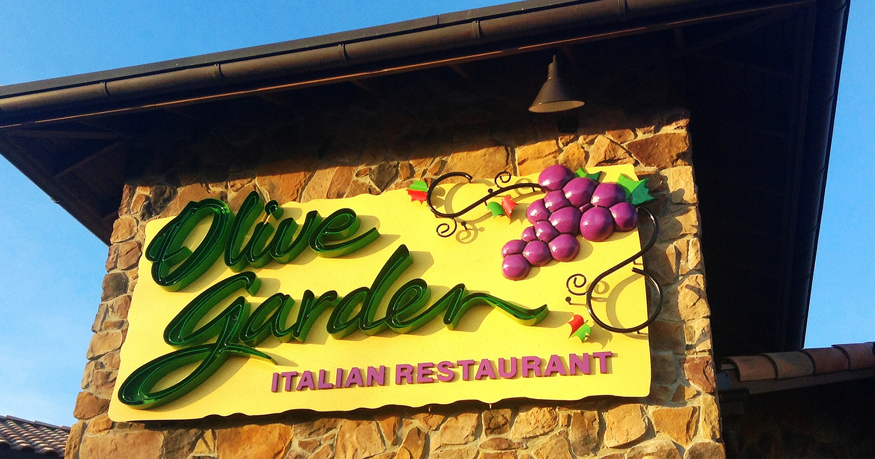 Darden Restaurant Workers Face Fees With Payroll Cards Attn