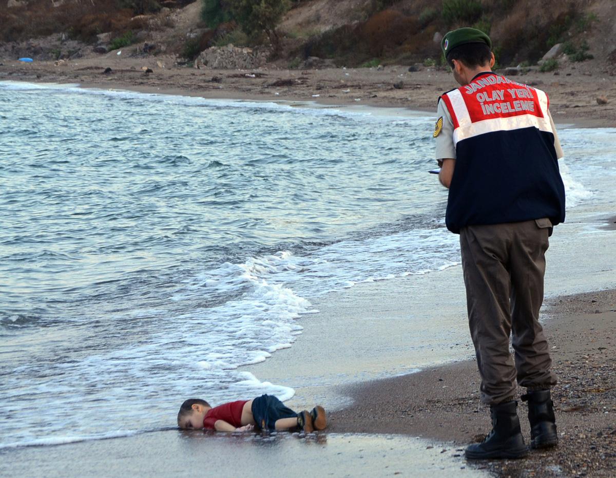 dead-syrian-refugee-child