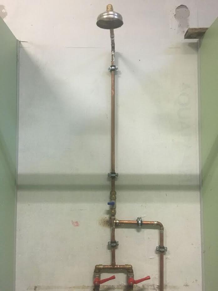 shower stall at elliniko